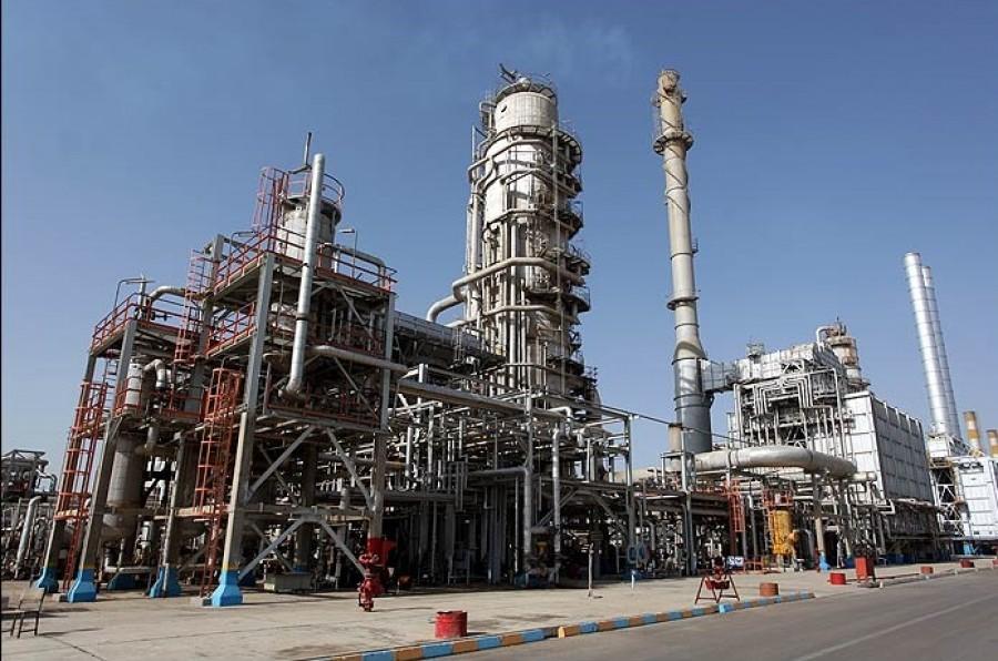 پالایش نفت خام در برج تقطیر